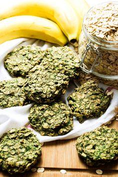 Vegan 3-ingredient banana and spinach cookies