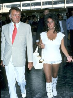 Elizabeth Taylor and Richard Burton Arrive at Heathrow Airport, 1970.