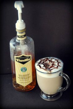 Ever wonder how to make your own Starbuck's vanilla syrup? This copycat Starbuck's vanilla syrup recipe is so easy, takes minutes and costs pennies to make. Starbucks Vanilla Syrup Recipe, Vanilla Syrup For Coffee, Starbucks Recipes, Latte Recipe, Starbucks Drinks, Coffee Recipes, Coffee Drinks, Coffee Syrups, Starbucks Vanilla Latte