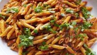 This is one of my favourite pasta dishes. Bloody well done on this one Jamie Oliver, it works really well.