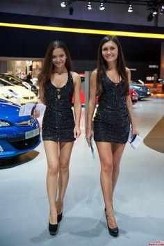 Hotesse asian recherche google hotesses salon auto for Prix stand salon