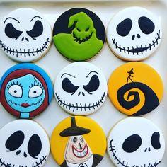 Nightmare Before Christmas Halloween style cookies Halloween Desserts, Halloween Cupcakes, Halloween Cookie Recipes, Halloween Cookies Decorated, Halloween Sugar Cookies, Spooky Halloween, Halloween Treats, Halloween 2019, Happy Halloween