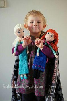 Haakpatroon. Crochetpattern. Anna en Elsa van Frozen. Patroon verkrijgbaar via haaknaaldenik.blogspot.nl