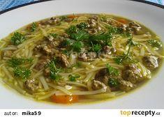 Slepičí polévka s játrovou rýží recept - TopRecepty.cz Japchae, Food And Drink, Ethnic Recipes, Soups, Soup