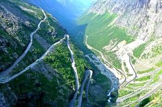 This road is dangerously narrow and consists of a vast amount of potholes. The turns are deadly, the... - lazyride.com