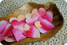 : A garland of painted watercolor hearts for Valentine's Day! We have enjoyed a beautiful week full of crafting! Many cheerfully colored hearts have been drawn that now adorn surprise Valentine cards. Valentine Crafts For Kids, Valentines Day Food, Valentines Day Activities, Crafts For Kids To Make, Valentine Day Love, Saint Valentine, Valentine Ideas, February Holidays, Watercolor Heart
