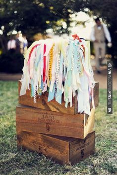 Ribbon wands to wave when the bride and groom are announced. | VIA #WEDDINGPINS.NET