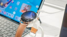 7月13日、ファーウェイ・ジャパンはオンラインで新製品発表会を開催し、複数の新製品を日本向けに発売することを発表した。 同発表会後、メディア向けに製品体験会も実施され、各新製品の実機に触れることができた。本記事では、注目 […] Smart Watch, Smartwatch