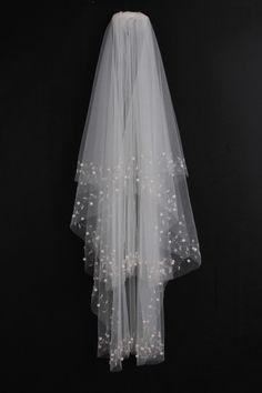 Spectacular 2-tier Elbow Wedding Veils With Beading Edge