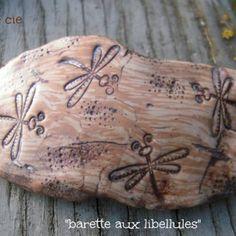 """Jolie barrette """"très nature"""" fimo imitation bois et libellules"""