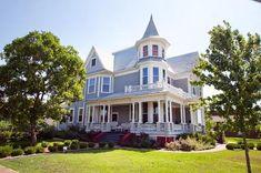 1898 Victorian: Queen Anne  Aberdeen, Mississippi