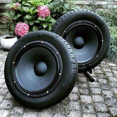 Tire speaker in 2019 Tire Furniture, Garage Furniture, Car Part Furniture, Automotive Furniture, Cool Furniture, Diy Electronics, Electronics Projects, Diy Speakers, Old Tires