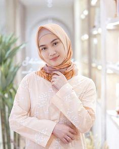Orenji🧡 Beautiful Hijab, Aesthetic Pictures, Dan, Beauty, Instagram, Meme, Girls, Fashion, Profile