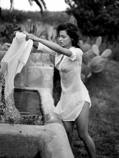 Buongiorno…⭐️ Catrinel Menghia by Michel Perez