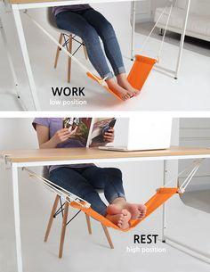 É difícil encontrar uma posição confortável quando se fica horas em frente ao computador no trabalho e, certamente, não ajuda quando o seu pé entra em esta