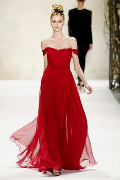 Beautiful silk chiffon finale gown from Monique Lhuillier Fall 2011 runway