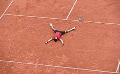 Andy Murray est impuissant et concède le deuxième set en ne gagnant qu'un jeu Djokovic première - Photos Djokovic première - Photos Roland Garros 2016 - Novak Remporte pour la première fois Roland Garros - 2016 - Serbie - Djokovic / Murray