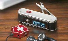 28 Minisucle Multi-Tools - From Handyman Ballpoints to Pocketknife Cutlerly Holders (CLUSTER)