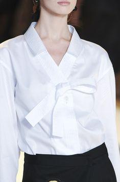 Carolina Herrera at New York Fashion Week Spring 2011 - Livingly