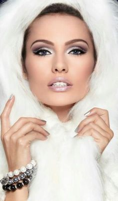 Beautiful Clean Make Up Look Love Makeup, Makeup Looks, Hair Makeup, Amazing Makeup, Uk Makeup, Gorgeous Makeup, Pretty Makeup, Winter Make-up, Winter White