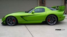 Dodge Viper ACR with Snakeskin Green paint and Forgeline CF3C-SL wheels finished with Graphite centers and Transparent Smoke outers.