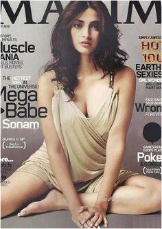 Sonam Kapoor Bollywood Actress Deep Cleavage Show Indian Bollywood Actress, Bollywood Girls, Bollywood Celebrities, Bollywood Style, Bollywood Actors, Bollywood News, Hot Actresses, Hollywood Actresses, Maxim Cover