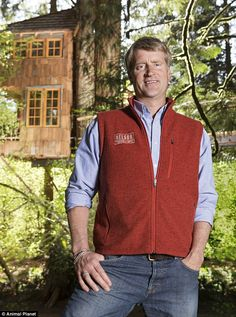 This tree house master right here is Pete Nelson! He has the best tv show!) I wish he could build my family a tree house! Cool Tree Houses, Fairy Houses, Play Houses, Building A Treehouse, Diy Playhouse, Tree Silhouette, Cabins And Cottages, Trendy Tree, In The Tree