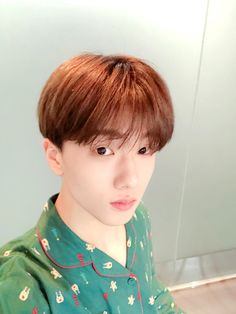 Image discovered by 황은별. Find images and videos about kpop, nct and mark on We Heart It - the app to get lost in what you love. Park Jisung Nct, Park Ji Sung, Dream Baby, Jonghyun, Winwin, Taeyong, Nct Dream, Boy Groups, Fandom