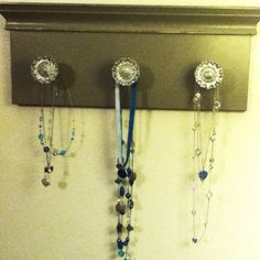 Old doorknobs make great necklace holders!