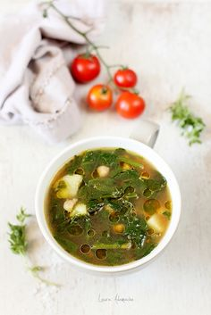 Supa cu naut si spanac, o reteta simpla si delicioasa cu boabe de naut Sun Food si spanac proaspat. Reteta de supa cu naut, bacon si spanac.