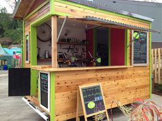 Snack shack for beach-smoothies, hot dogs, ice cream. Food Stall Design, Food Cart Design, Food Truck Design, Coffee Carts, Coffee Truck, Kiosk Design, Cafe Design, Design Design, Outdoor Plywood