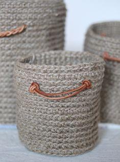 Crochet Patterns Yarn Crochet basket for knickknacks of cord for my desk – my … Crochet Basket Pattern, Knit Basket, Crochet Baskets, Crochet Home, Knit Crochet, Knitting Patterns, Crochet Patterns, Crochet Video, Crochet Patron