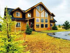 For the best rates and no booking fees, check out this property at: www.FROSTCABINS.com This newly decorated cabin comes with a fully appointed Kitchen with granite counter tops and stainless steel appliances. ...