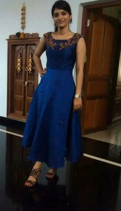 I like the colored r. Wedding Dresses For Girls, Party Wear Dresses, Casual Dresses, Frock Fashion, Fashion Dresses, Indian Evening Gown, Ikkat Dresses, Churidar Designs, Indian Gowns Dresses