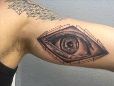 Tattoo concluída, Olho, eyes, horus, agamotto, illuminati.  Evolution tattoo, Formosa/GO (Arlan)