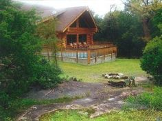 HomeAway cabin rental on Lake LBJ. Good for groups too Austria Travel, Cabin Rentals, Weekend Getaways, Vacation Spots, Ideal Home, House Styles, Innsbruck, Texas, Beautiful