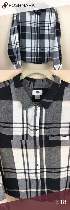 Old Navy The Boyfriend Shirt Plaid Button Up XXL Good Pre-Loved Condition See Pictures  Chest: 23 inches across Length: 24 inches shoulder to hem measurements are approximate and taken while laid flat  Details: Old Navy  The Boyfriend Shirt  Plaid  Button Up  Black and White  Women's Size: XXL Long Sleeve Old Navy Tops Button Down Shirts