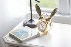 Does this bunny cloc