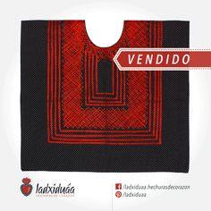 Huipil sencillo negro de puntos, con tejido de cadenilla en hilo rojo.