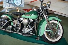 Not really a Harley fan, but I would dearly love to own one a '47 Knucklehead... #harleydavidsonbaggerpaint