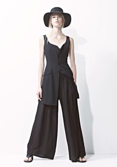 Something to wear to the beach with a white crepe scarf.  Yohji Yamamoto : Style Rec