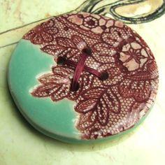 Wyniki Szukania w Grafice Google dla http://www.sewbox.co.uk/blog/wp-content/uploads/2010/06/handmade-ceramic-buttons-gwyneth-turquouise-burgundy.jpg