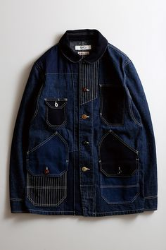 multiple threading on placket lines, on darker shades ref. Denim Fashion, Fashion Outfits, Work Jackets, Raw Denim, Denim Outfit, Vintage Denim, Jacket Style, Work Wear, Casual Outfits