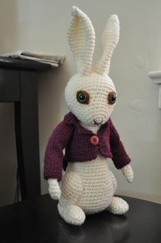 The White Rabbit from Alice In Wonderland, crochet / amigurumi. Another one by me, a couple years back