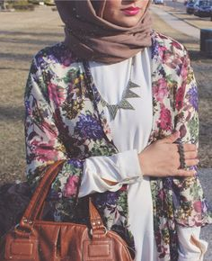 Floral Jacket   Who says only tops have to be floral? Go for outwears as well.   Sania from SimplyCovered   tags: hijab style, floral jacket, hijab fashion