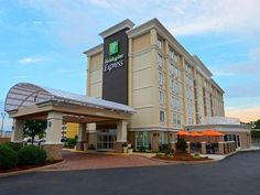 Hampton (VA) Holiday Inn Express Hotels- Hampton United States, North America The 2-star Holiday Inn Express Hotels- Hampton offers comfort and convenience whether you're on business or holiday in Hampton (VA). The hotel offers a high standard of service and amenities to suit the individual needs of all travelers. Facilities like free Wi-Fi in all rooms, 24-hour front desk, elevator are readily available for you to enjoy. Television LCD/plasma screen, non smoking rooms, air co...