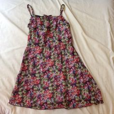 Short floral dress Two layered pretty floral dress Benetton tween Dresses Mini