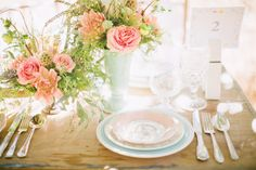 THE VINTAGE TABLE CO.
