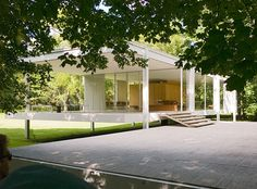 Farnsworth House (designed by Mies van der Rohe)