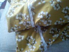 Homemade Pillowcases & LILY - Olaf Pillowcase - how to make the pillowcase tutorial from ... pillowsntoast.com